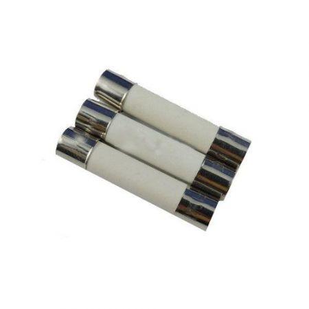 Lot 3 Fusibles Ceramique 6x30mm 25A - Airsoft Replique Electrique AEG - Swiss Arms 603366
