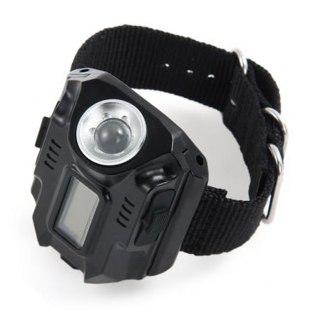 Montre Flash Watch Tactical SWAT - Etanche Lampe Torche 200 Lumens